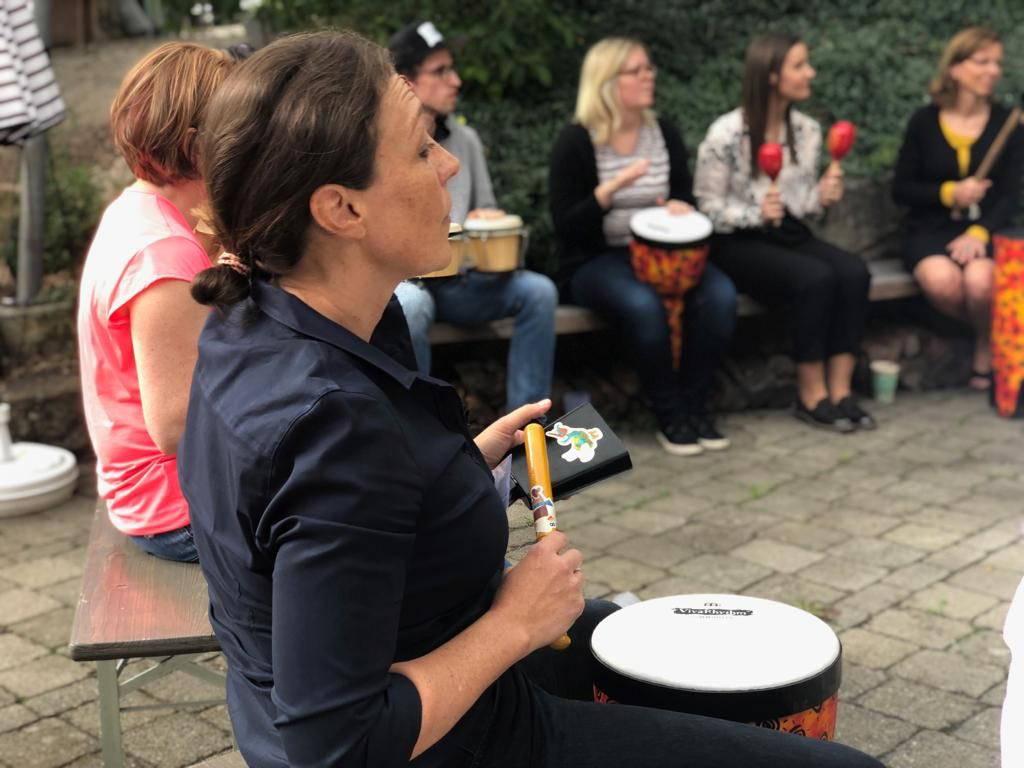 musik_fuer_erwachsene-business_trainings-musik-innovative_weiterbildung-agiles_arbeiten-teambildung-team_jam-fuerth-erlangen-nuernberg_1